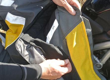 Die Jacken sind in wenigen Handgriffen miteinander verbunden
