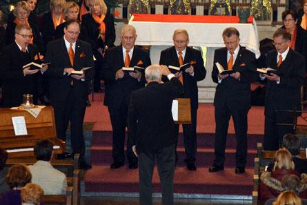 """Die Schola trägt beim Weihnachtskonzert 2015 den gregorianischen Choral """"Puer natus est"""" vor"""