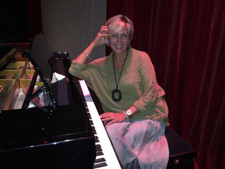 Kaori Ozawa, Klavierlehrerin in Stuttgart