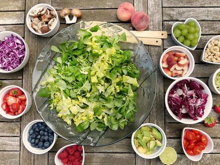 Gesundheit, Nuss, Gehirn, Bewusstsein für Gesundheit, Obst, Himbeeren, Kiwi, Erdbeeren, Ernährung, Vital, Erdbeeren, Blaubeeren, Salat, Weintrauben, Nüsse, Pilze, Kraut, Pfirsich