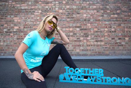 Sarah findet Rita Ora cool. Rita machte auch beim Projekt #togetherweplaystrong mit. (c) UEFA