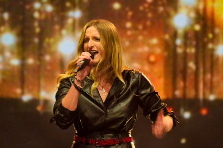 Julia Wastian bekam das erste Star-Ticket. (c) ORF/ Hans Leitner
