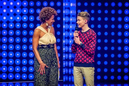 Arabella Kiesbauer mit David Mannhart. (c) ORF / Leitner