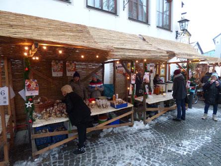 Stand an Nikolausmarkt in der Füssener Altstadt