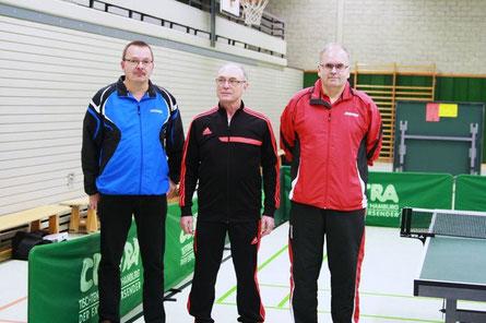 Foto (v.l.n.r.): Die Sieger Dieter Mund, Fredi Lüdtke und Turnierleiter Helmut Kaufmann