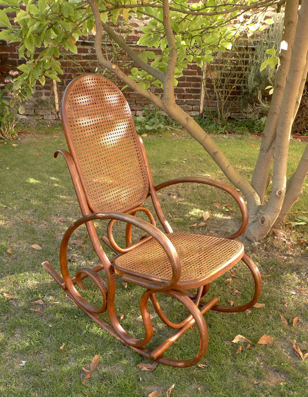 JOLI rocking-chair Thonet, rocking-chair Fischel, rocking-chair Kohn, bois tourné