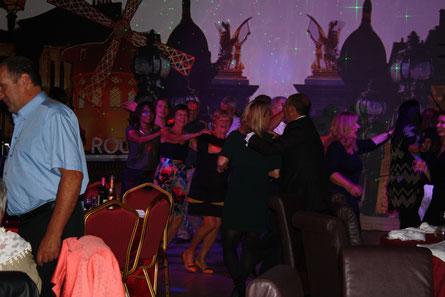 Déjeuner, spectacle, après midi dansante, La Renaissance, Aisne, 02, proche Laon, proche Soissons