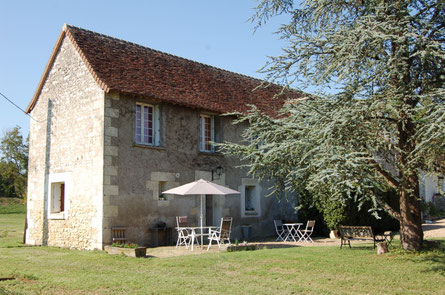 B&B-Chançay-Vouvray-Amboise-Tours-Loire-Valley-swimming-pool-castles