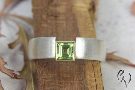 Ring Silber mit Gold und Peridot, Handarbeit, Goldschmiede