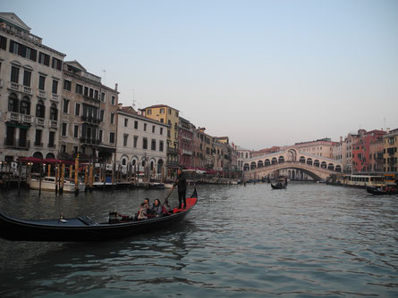 Rialto bridge in December