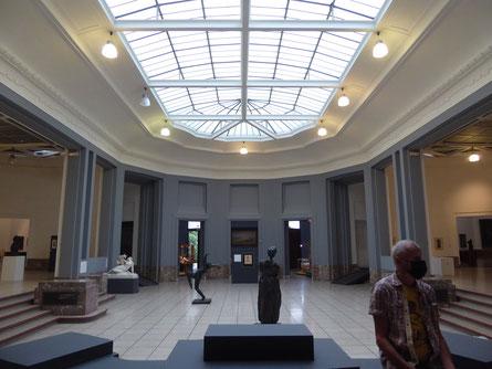 Tournai - Centrale zaal van het Musée des Beaux-Arts.