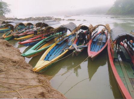 Frontera Corozal - lancha's op de Rio Usumacinta