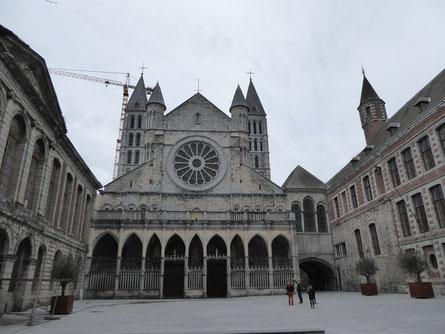 Tournai - Westgevel van de Onze-Lieve-Vrouwekathedraal