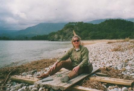 Thea-Warrior - 'Indiaan' op het strand van de Baai van Phaselis.
