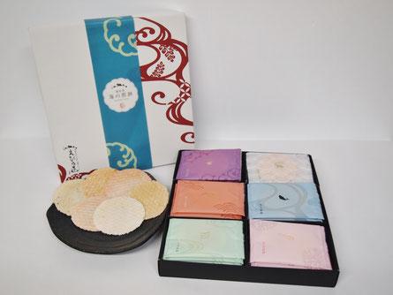 愛知県のえびせんべいの中でも、贈答用におすすめな、えび乃匠『海鮮煎餅ギフトセットKTU2』です。えびせんべい6種類を詰め合わせました。