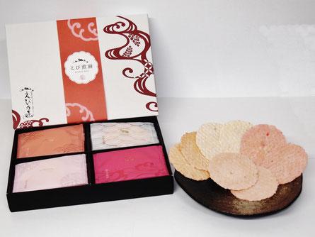 えび煎餅ギフトセットは、白えび・伊勢えび・甘えび・桜えびの人気のえびせんべい4点セットです。