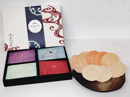 愛知県のえびせんべいの中でも、贈答用におすすめな、えび乃匠『海鮮煎餅ギフトセットKTK1』です。えびせんべい4種類を詰め合わせました。