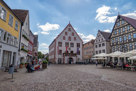 © Traudi - Marktplatz mit dem Alten Rathaus
