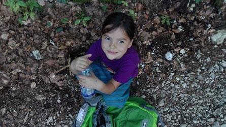 Miriam am Anfang der Wanderung :-)