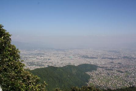 """Diesen """"Hügel"""" sieht man von unserem Haus und Miriam hat sich immer gewünscht, mal hochzugehen... Und siehe da, kein Gemurre auch bei gefühlten 5000 Treppenstufen"""