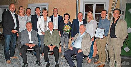 Wirtschaftsförderungsverein würdigt 30-jähriges Engagement des Chef-Organisators und Aussteller-Motivators der Ruhstorfer Herbst- und Frühjahrsschau