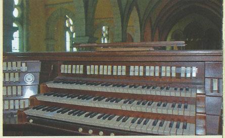 La console du Likès avec ses 3 claviers