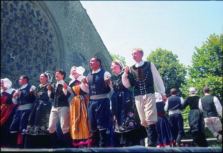 danseurs sur le podium-  © CRT