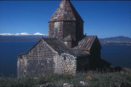 Kreuzkuppelkirche am Sevansee