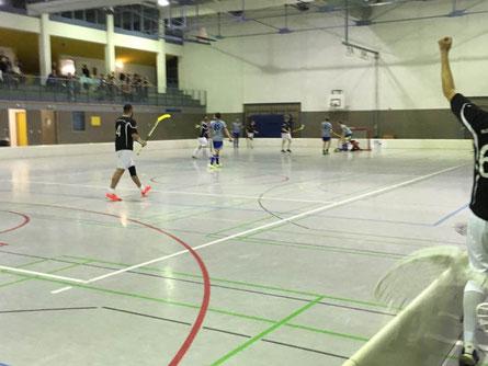 Reccius trifft für Floorball Mainz im StenaLine FD-Pokal per Schlagschuss aus dem Slot