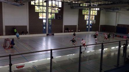 Spielszene Espenau Rangers gegen Lokalmatador Floorball Mainz