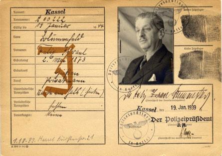 Personalausweis mit dem diffamierenden J