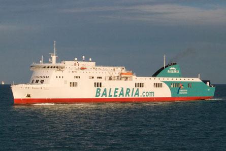 Stena Ausonia quittant le port de Barcelone alors qu'il est exploité par Balearia.