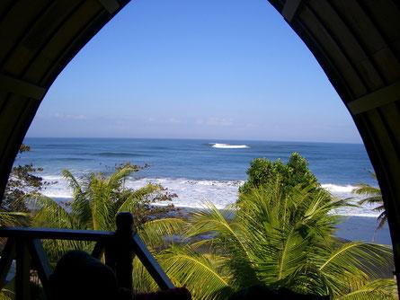 Blick auf Soka Beach auf Bali / Indonesien