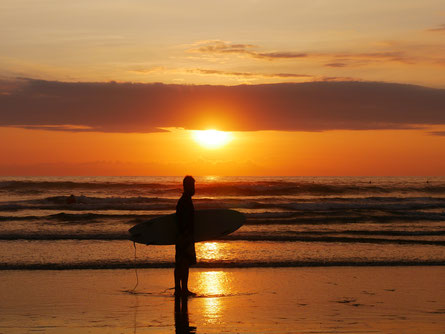 Sunset surfing in Ayampe