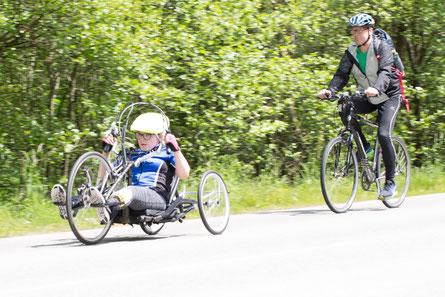 Handbike Jugendliche + Radfahrer