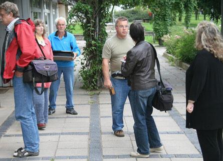 Reporter und Mitglieder des Kunstvereins Sangerhausen