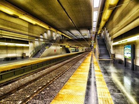 U Bahn U-Bahn Subway Buenos Aires London Bauchmuskeltraining Rumpfkraft Rumpf Core Training