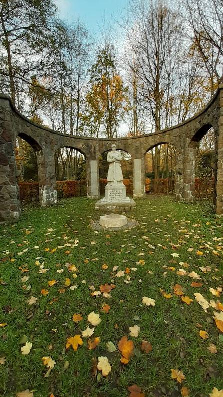 das Kriegerdenkmal in Bramfeld