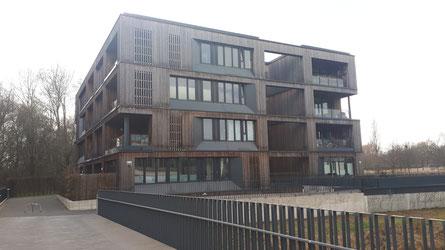 Ein mehrgeschossiges, ökologisch gebautes Haus in Wilhelmsburg
