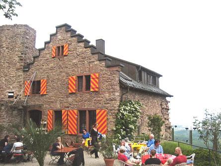Burg Eberstein bei Baden Baden, Restaurant, Aussichtstum, Blick in das Rhein.-u. Murgtal