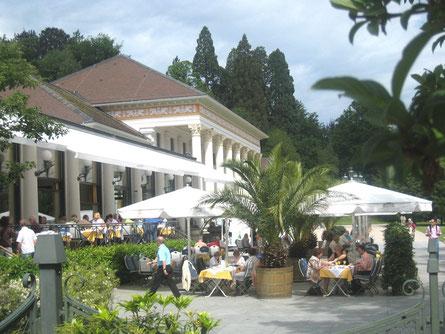 Kurhaus mit Casino im Hintergrund