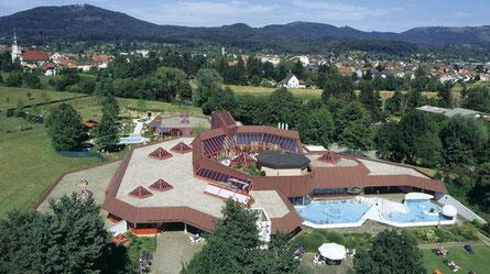 Entspannung tolal erwartet Sie im Thermalbad Bad Rotenfels mit Saunapark, Felsensauna, Aromabad, Vitalpark und Gesundheitsstudiostudio
