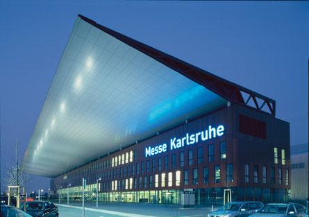 Frontansicht Messe Karlsruhe bei Rheinstetten, dm Arena