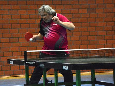 Erstes Spiel, erster Sieg: Manfred Bentsche (5. Herren).