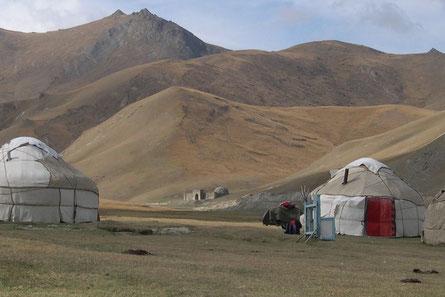 Nomaden, Kirgistan, Jurte, Kyrygztan Tash Rabat, Kirgisien