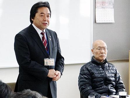 内谷市長(左)と柴田社長(右)