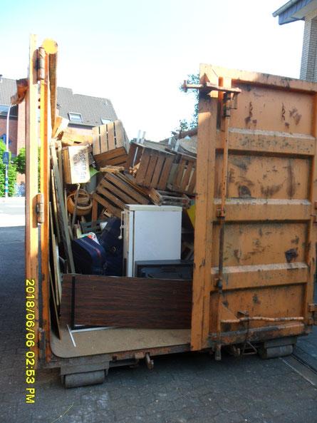 Container, Entrümpelung, Sperrmüll Abfuhr, Räumung, Haushaltsauflösungen, Müll, Recycling