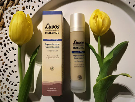 Luvos Gesichtsserum mit Camelinaöl #Heilerde #Produkttest
