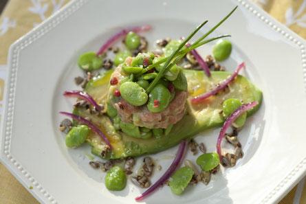 Tartare de saumon aux fèves et avocat / cours de cuisine Carcassonne