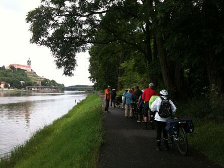 Vor Melnik an der Elbe